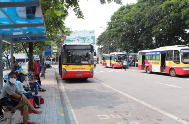 UBND thành phố Hà Nội xem xét phê duyệt danh mục 30 tuyến buýt trợ giá mở mới trong năm 2020.